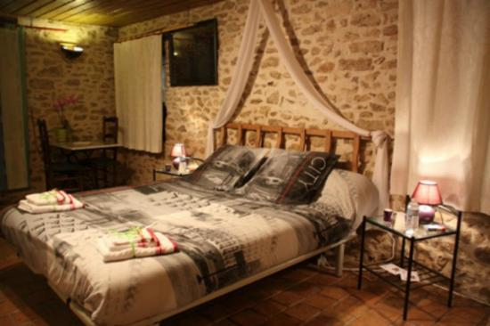 Les Nuits Safranees: Chambre Osons