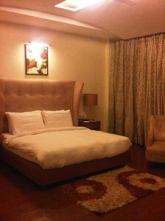 HK Clarks Inn: Bed