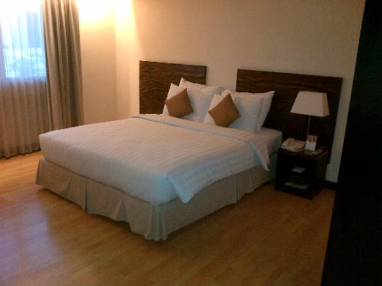 Aston Braga Hotel & Residence: Superior Room / 1 queen bed