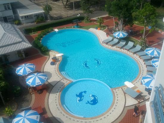 Cera Resort Chaam: Pool view from top of lower building