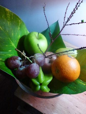 Sweet Cinnamon: fruit bowl in our room