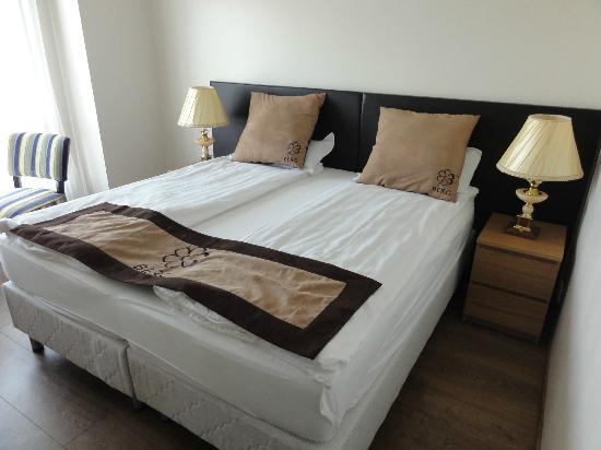 Hotel Berg: Room