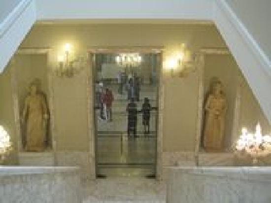 Teatro Francesco Cilea : Scalinate di accesso ai palchi