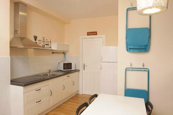 Polaroid Siesta Hostel: cocina