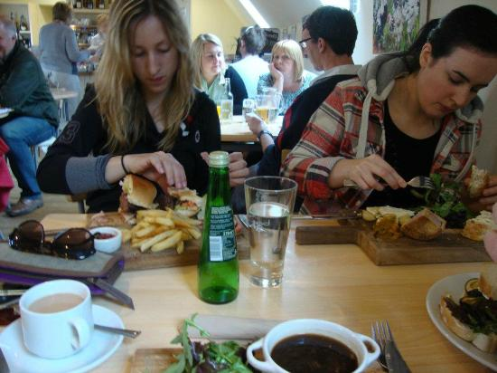 The Schoolrooms: Late Lunch on a busy Saturday