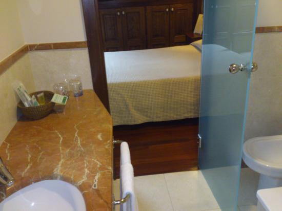 Hotel Rua Villar: baño