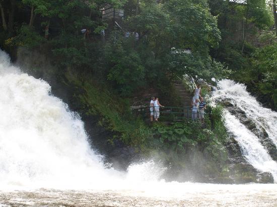 Coo Waterfall : je voelt de kracht