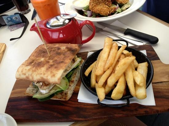 Cafe Aqua: Chicken, avocado & brie on Turkish bread......with chips of course! :)