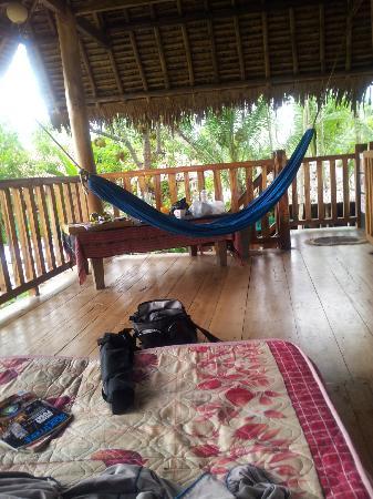 Villa Monyet Java: teras family surf