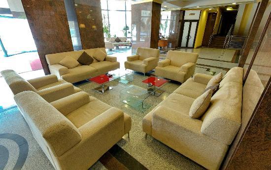 Crystal Palace Hotel: Lobby