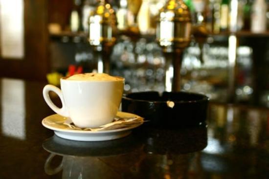 Crystal Palace Hotel: Retro Bar & Lounge