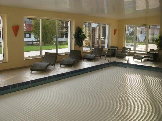 Hotel Zum Postillion: Hallenbad mit Pool-Abdeckung