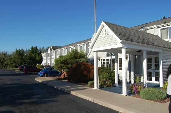 Microtel Inn by Wyndham Victor/Rochester: Exterior