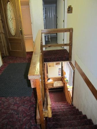 The Historic Madison Hotel: Stairwell to Back Entrance/Exit