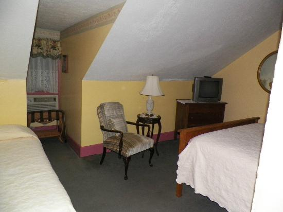 Hotel Strasburg: bedroom