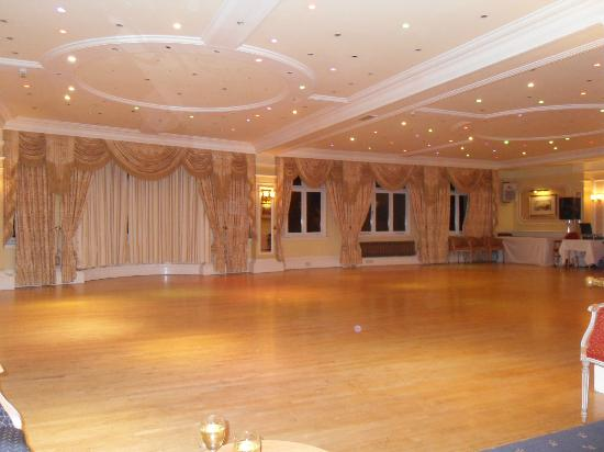 TLH Victoria Hotel: the beautiful ballroom
