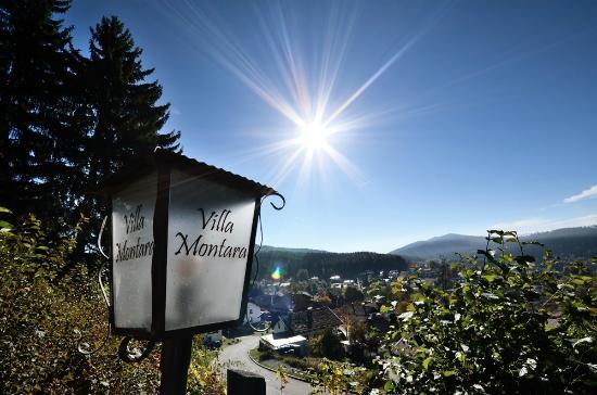 Villa Montara Bed & Breakfast: Villa Montara bei immer gutem Wetter :)
