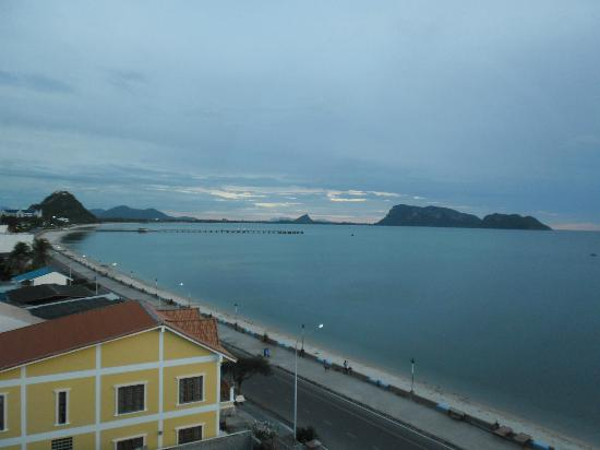 Prachuap Beach Hotel: Veiw From room 505