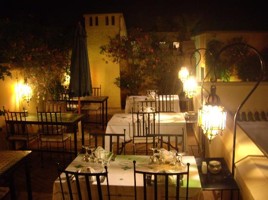 Riad Karmela: dining at the roof terrace