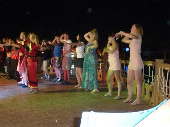 Dessole Pyramisa Sharm El Sheikh Resort: animation dance..