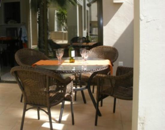 Roda Golf & Beach Resort: Al Fresco Dinning on the Terrace