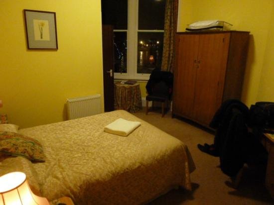 Strathness House: Corner room 6 (thats my mess!)