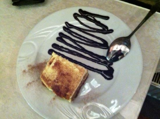 Vito's Italian Restaurant: Real and authentic Tiramisu