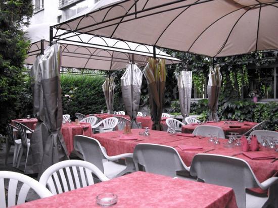 Dancourt Hotel