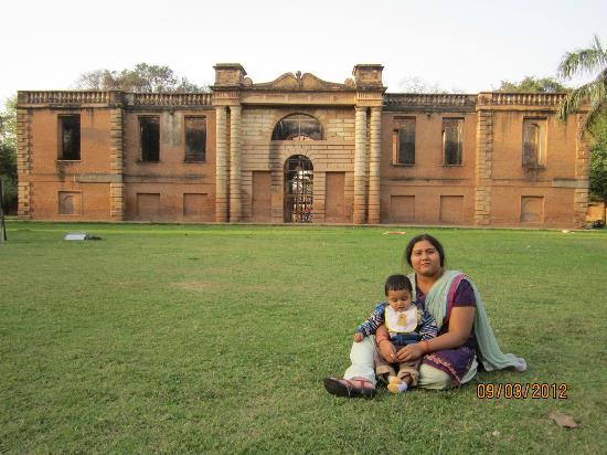 Dilkusha Kothi Palace: REAR FACADE OF MAIN BUILDING