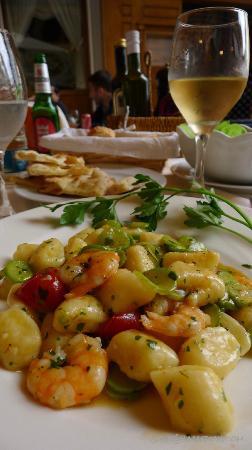 Ristorante Mare Blu: Gnocchi with shrimp and zucchini - amazing!