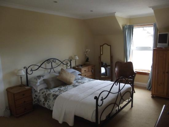Glenuig House Bed & Breakfast : A very comfortable, clean and pleasant bedroom