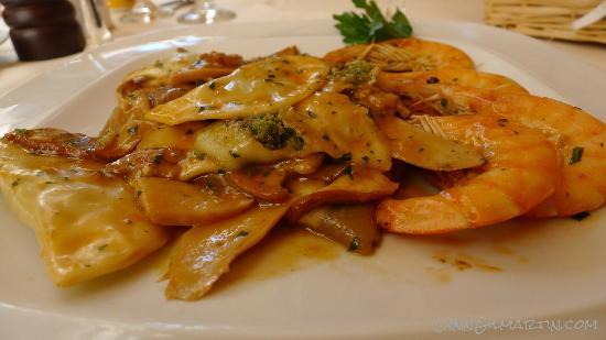 Ristorante Mare Blu: Ravioli with Shrimp - amazing!