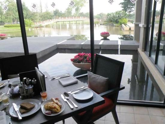 Le Meridien Chiang Rai Resort: Dining Room View