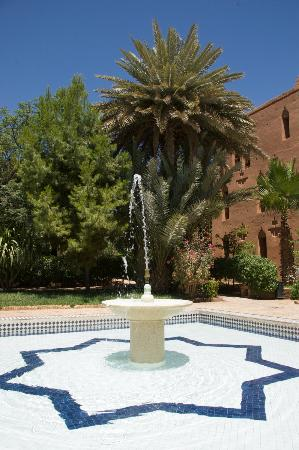 center ouarzazate fountain