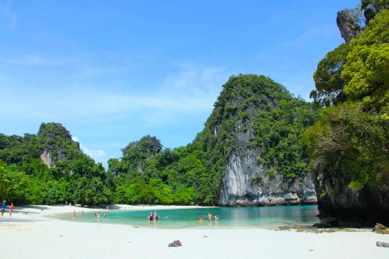 Hong Islands: Hong Island Beach