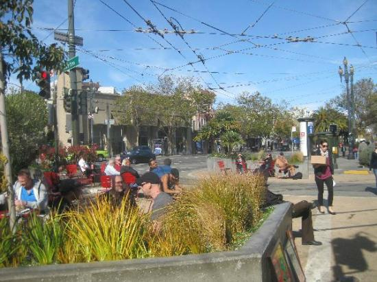 Inn on Castro: castro station (only approx. 100 meters down the road) 