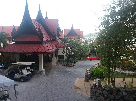 Aquamarine Resort & Villa: near the lobby