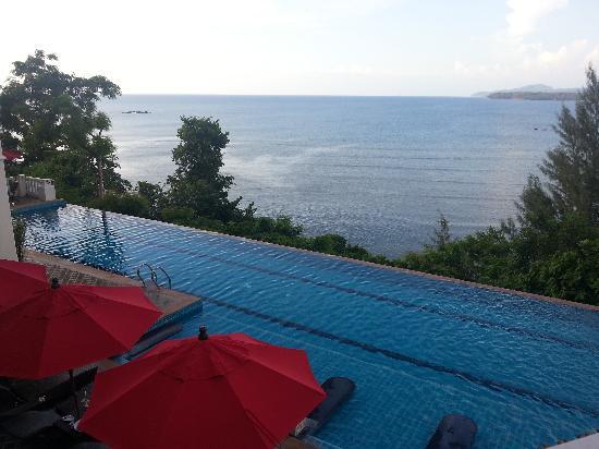 Aquamarine Resort & Villa: view from bar