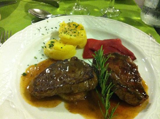 Be Live Family Lanzarote Resort: Veal in Al a Carte restaurant