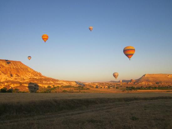 Dedeli Konak Cave Hotel: ballooning in the area - a MUST DO