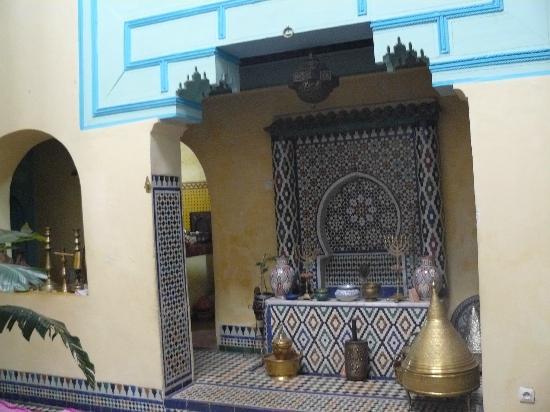 Riad Amazigh Meknes: cour intérieure