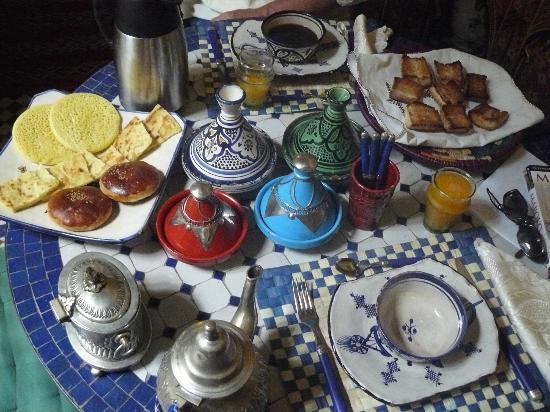 Riad Amazigh Meknes: petit déjeuner royal