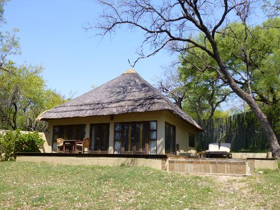 Dulini River Lodge : chambre 8