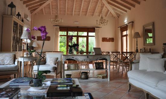 Hotel Rural Arpa de Hierba: SALON