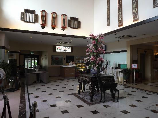 D-Villa Residence Hotel: lobby