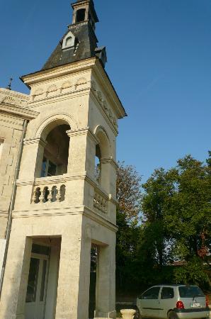 Chateau de Brillac : la tour d'acceuil