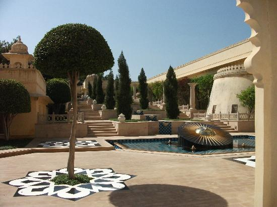 The Oberoi Udaivilas : Grounds of hotel