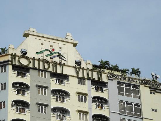 D-Villa Residence Hotel: signboard