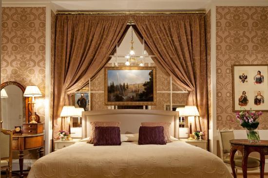 Belmond Grand Hotel Europe: Romanov Suite Bedroom