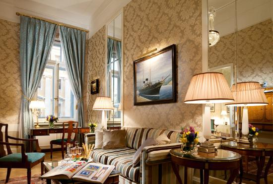 Belmond Grand Hotel Europe: Imperial Yacht Suite Lounge